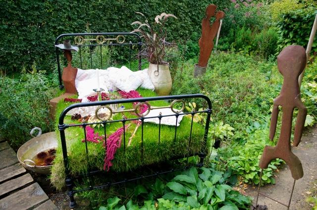 Летнее оформление сада своими руками