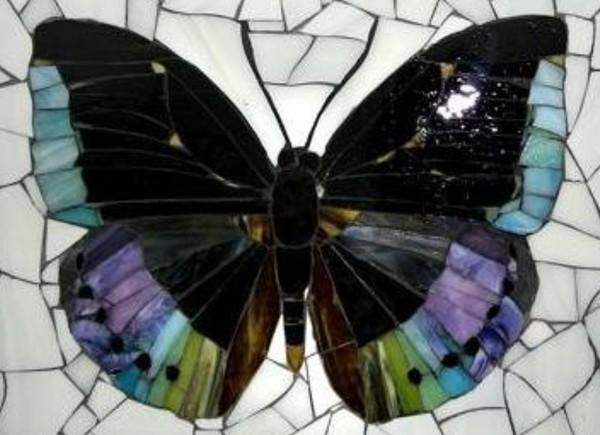 Мозаика из стекла и бисера. Картина Бабочка своими руками