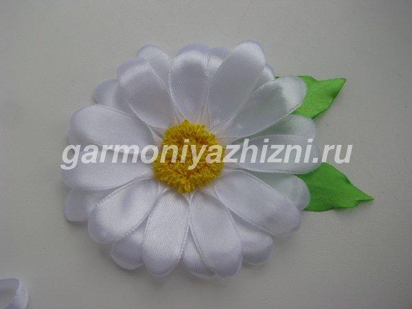 Канзаши. Цветы ромашки. Мастер-класс для начинающих