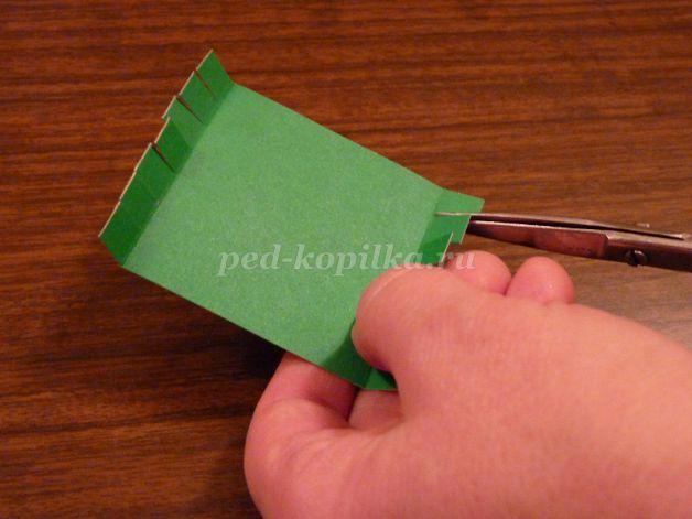 Объёмная аппликация из полосок цветной бумаги