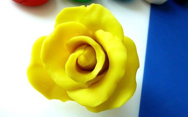 Аппликация из пластилина. Цветы в корзине