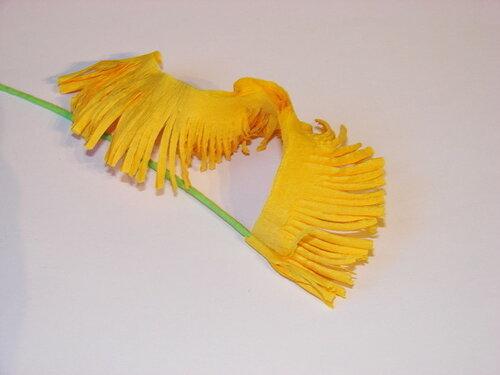 Цветы из гофрированной бумаги своими руками. Одуванчики