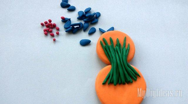 Подарок к 8 марта своими руками в технике пластилинография