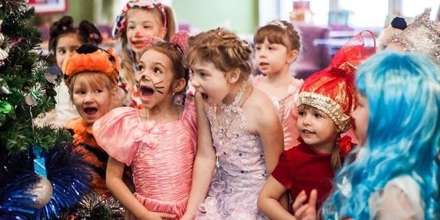 Игры на Новый год для малышей 3-4 лет