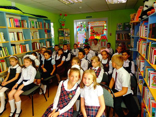 Интересный и необычный сценарий линейки на День знаний в школе