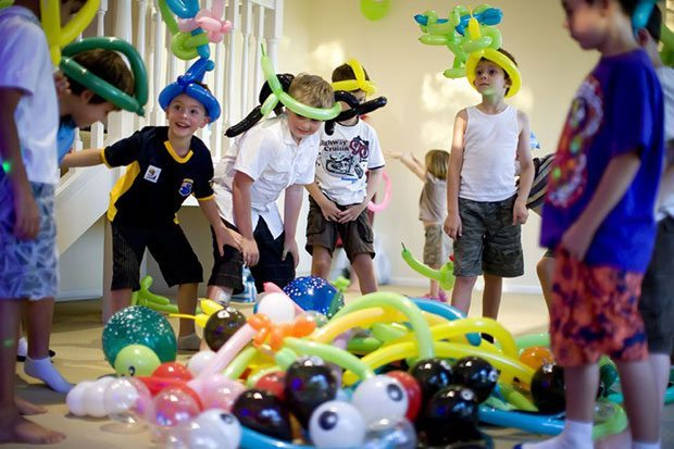 Сценарий на День рождения 8 лет мальчику дома с конкурсами