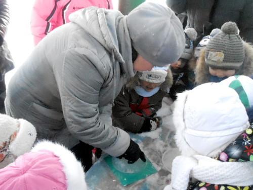 Конспект зимней прогулки в младшей группе детского сада
