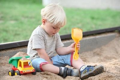 Игры с песком в младшей группе. Картотека