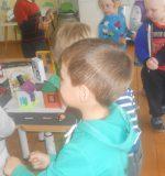Конспект занятия - экскурсии по ПДД в средней группе детского сада