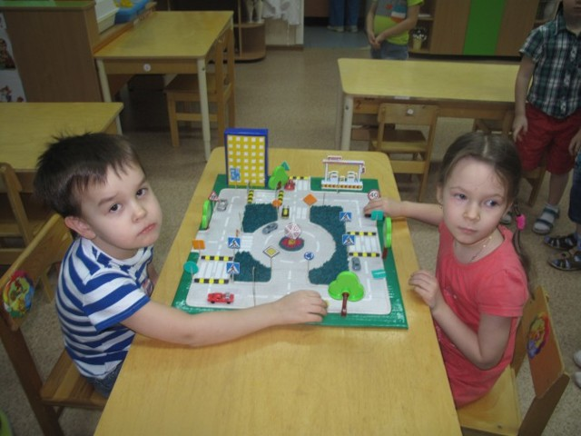 Конспект занятия по ПДД в младшей группе детского сада по ФГОС. Тема: Троллейбус