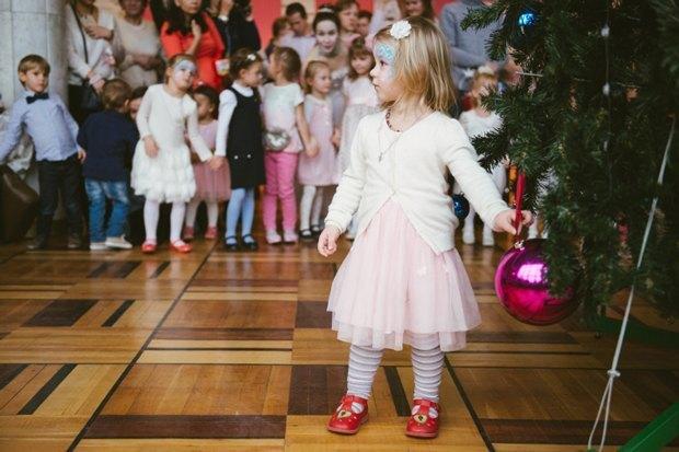 Интересное новогоднее представление для начальной школы